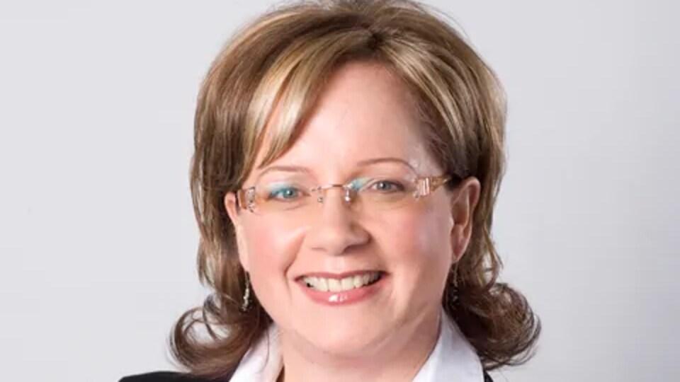 Portrait officiel de l'ancienne députée progressiste-conservatrice d'Edmonton-Decore, Janice Sarich.