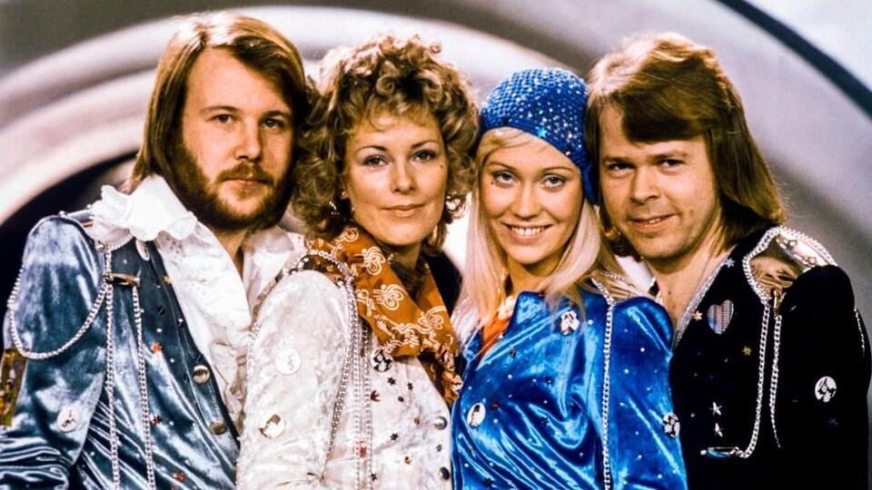 Photo des 4 membres du groupe ABBA