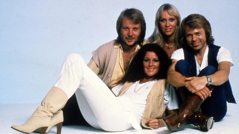 Portrait des quatre membres d'ABBA.