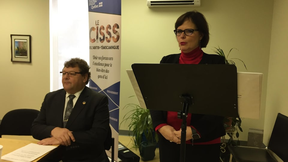 La ministre déléguée à la Santé publique, Lucie Charlebois annonce 315 000 $ annuellement au Centre intégré et de services sociaux de l'Abitibi-Témiscamingue pour l'amélioration des services offerts aux personnes ayant un trouble du spectre de l'autisme.