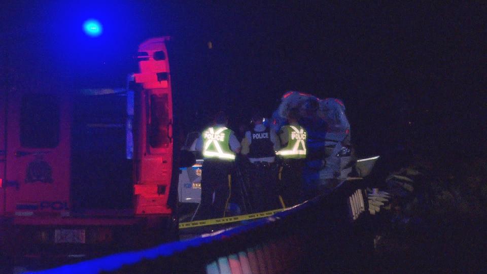 Ambulance et policiers de la GRC