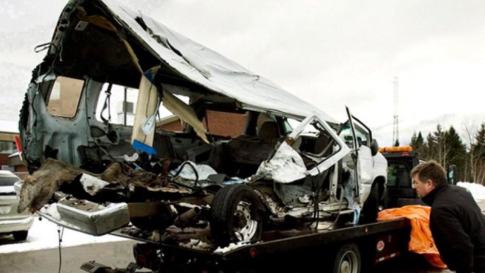La fourgonnette 15 places au lendemain de l'accident de Bathurst. (Archives 2008)