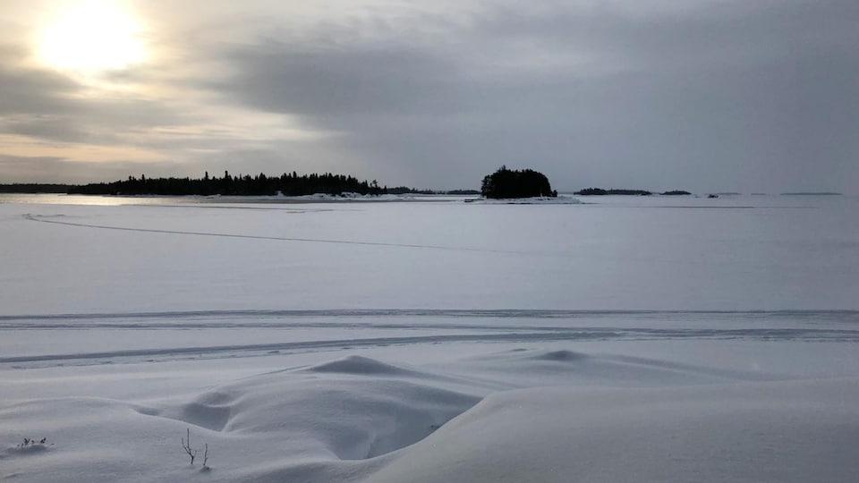 L'endroit où la glace a cédé sur le lac Saint-Jean.