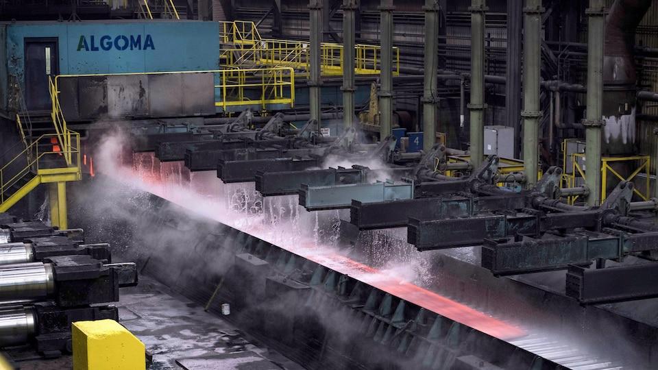 L'intérieur de l'usine d'Algoma Steel à Sault-Ste-Marie