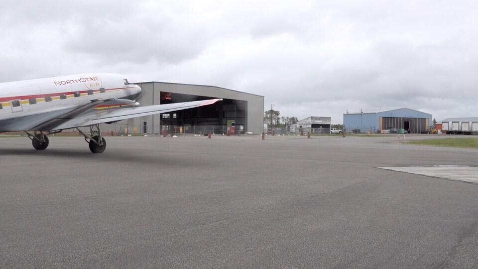 Un avion de North Star Air à l'aéroport de Kapuskasing.