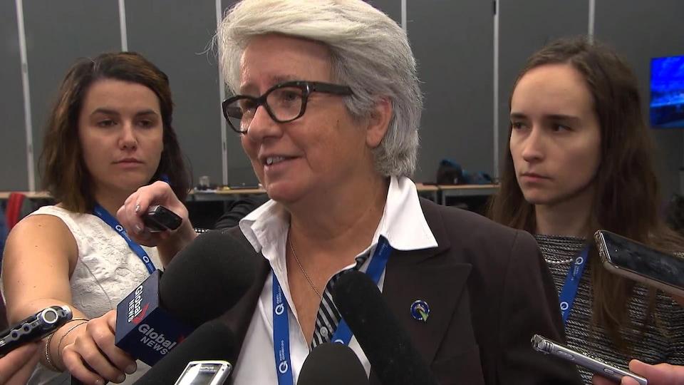 La députée péquiste Agnès Maltais a maintenu que l'interdiction des signes religieux ne viserait que les employés de l'État en situation d'autorité contraignante.
