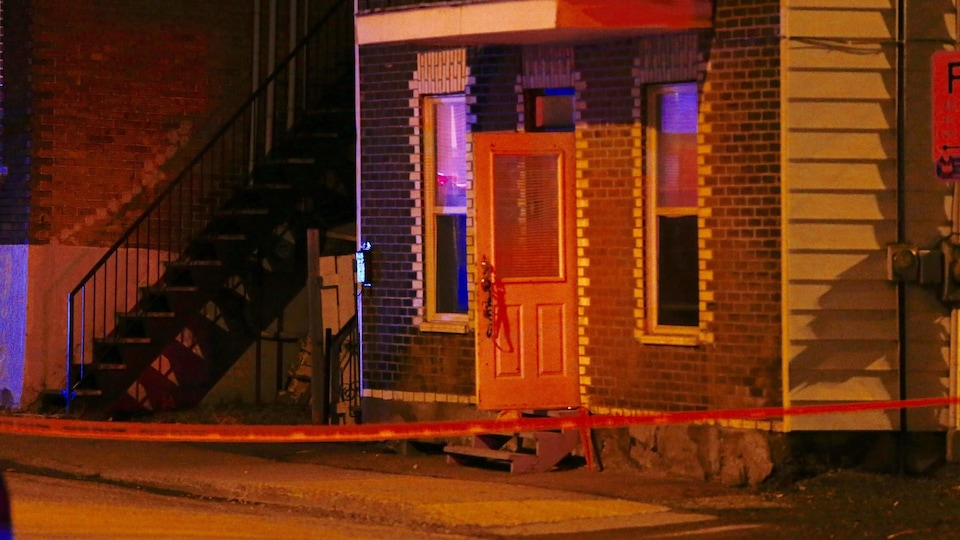 L'agression armée est survenue dans cette résidence de la 4e Avenue, dans Limoilou.