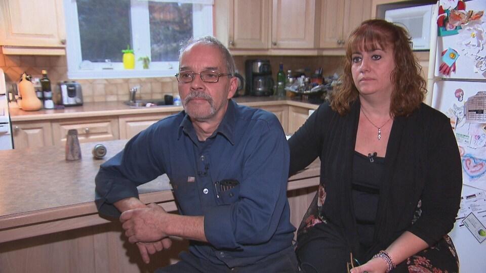 Alain Bolduc et Kathy Marquant dans leur cuisine.