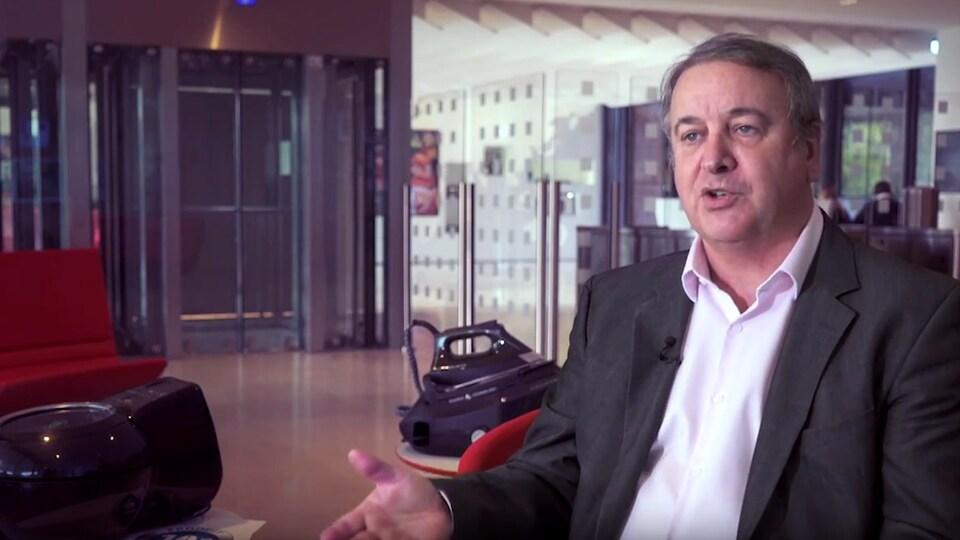 L'entreprise française Seb, qui détient notamment les marques T-fal, Moulinex, Krups, All-Clad et Lagostina, a un modèle d'affaires hors de l'ordinaire.