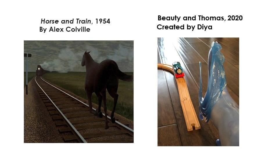 Un train en bois et une chaussure de couleur bleue.