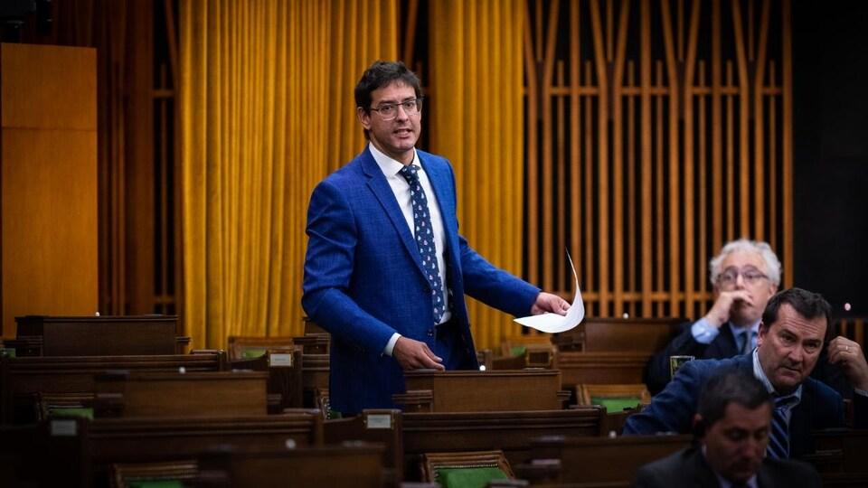 Le député de Lac-Saint-Jean, Alexis Brunelle-Duceppe, prend la parole aux Communes.