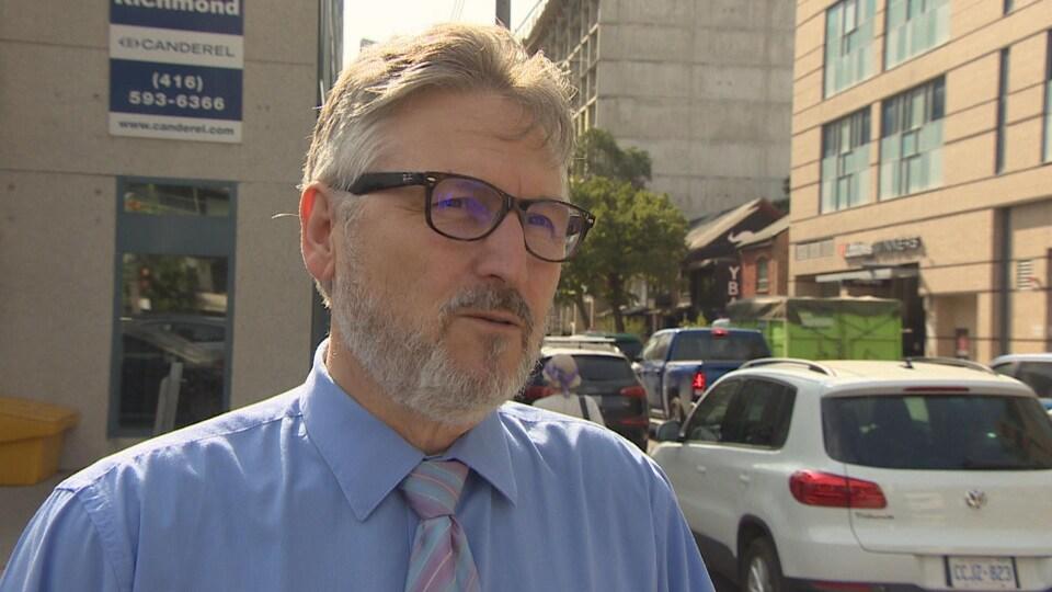 Ali Liénaux, directeur adjoint du Centre francophone de Toronto