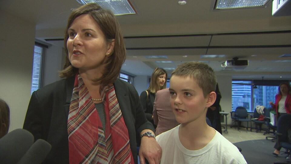 Alicia Smith et son fils Marcus sont tous les deux dyslexiques.