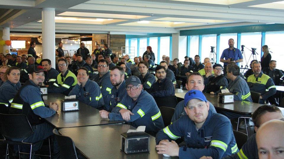 Les employés de l'Aluminerie Alouette étaient rassemblés pour entendre Justin Trudeau
