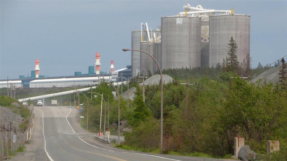 Vue sur l'Aluminerie Alouette à Sept-Îles