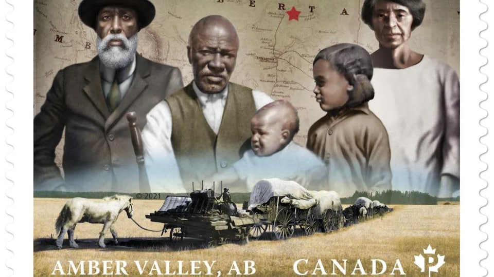 Les pionniers Henry Sneed, Jordan W. Murphy qui tient son arrière-petite-fille Bernice Bowden et sa petite-fille Vivian (Murphy) Harris et Amy Broady, une sage-femme avec, en arrière-plan, une carte de l'Alberta.