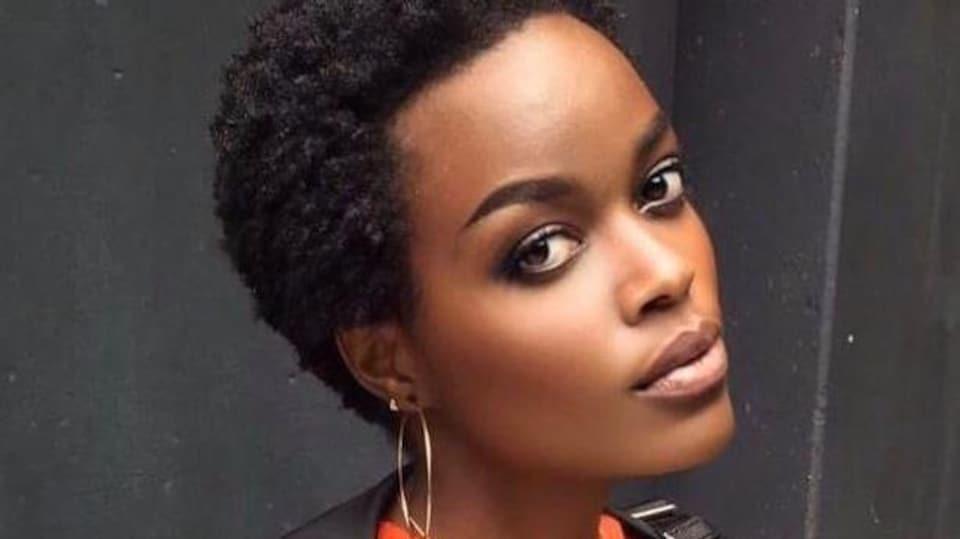 Plan serré du visage d'Anita Hosanna Kangabe.