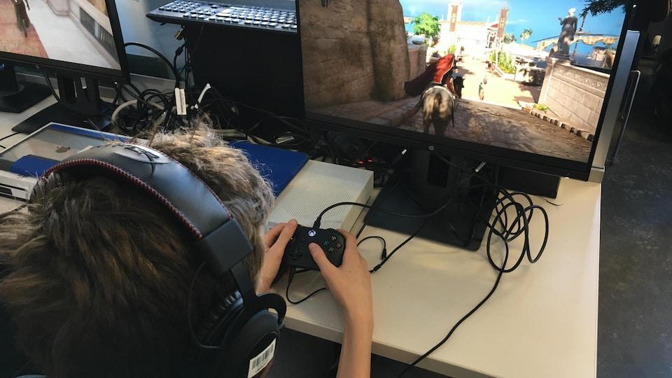 Des élèves se servent du jeu vidéo «Assassin's Creed Origins» pour apprendre l'histoire de l'Égypte antique.