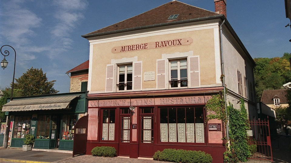 La façade de l'Auberge Ravoux, à Auvers-sur-Oise, au nord de Paris.
