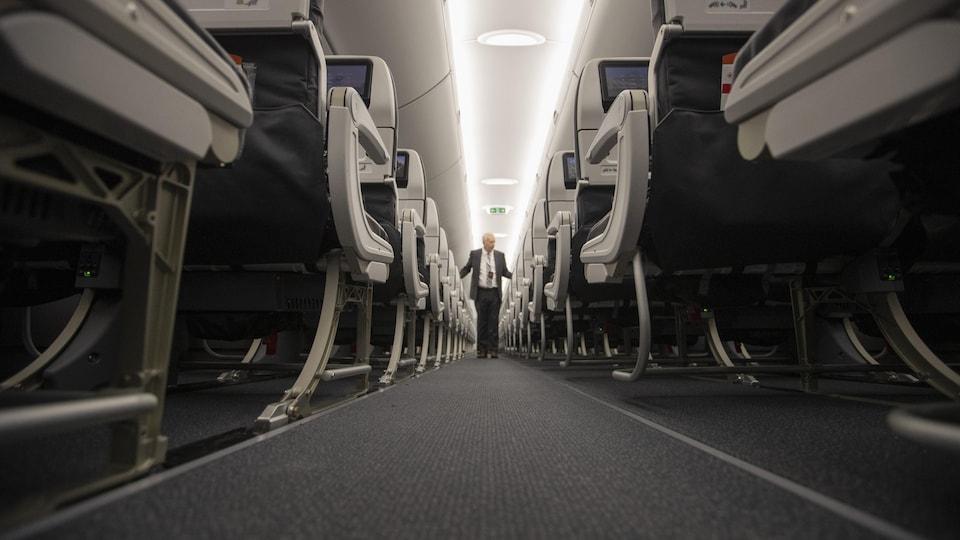 L'intérieur d'un avion Airbus A220.
