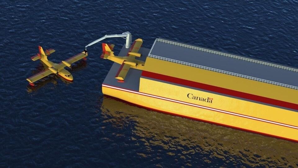 Un avion est sur le navire et un autre est dans l'eau.