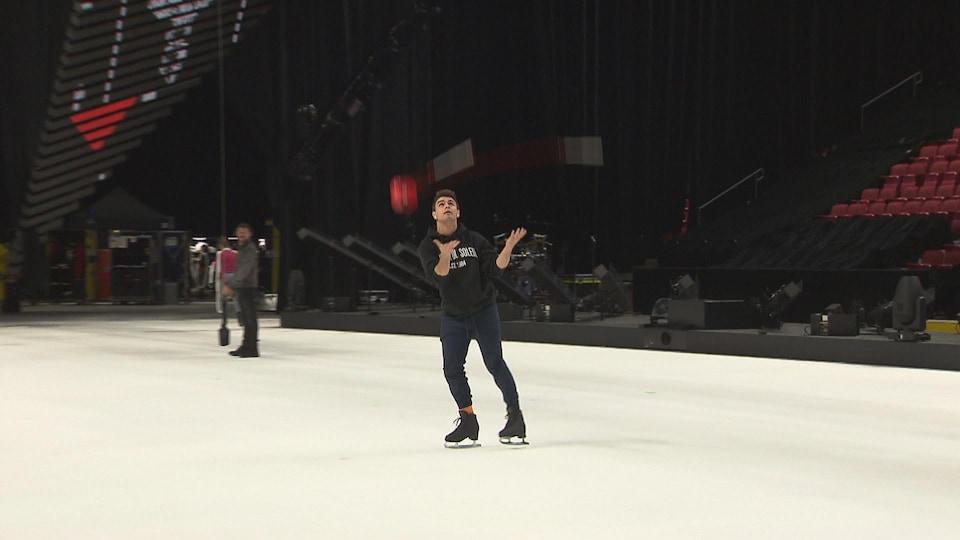 Alexis Bernatchez lors d'une pratique du Cirque du Soleil.
