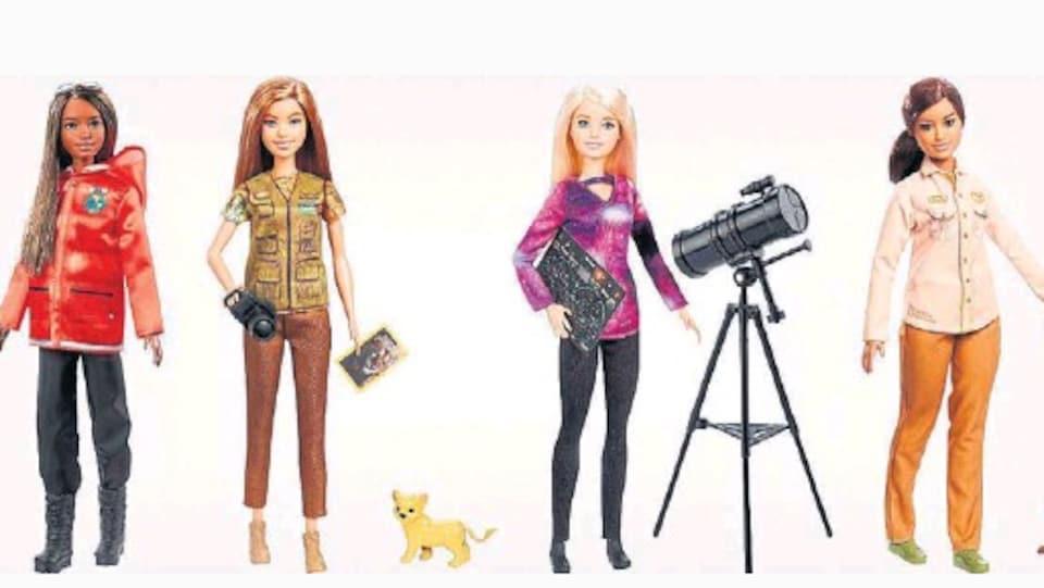 Quatre Barbie.