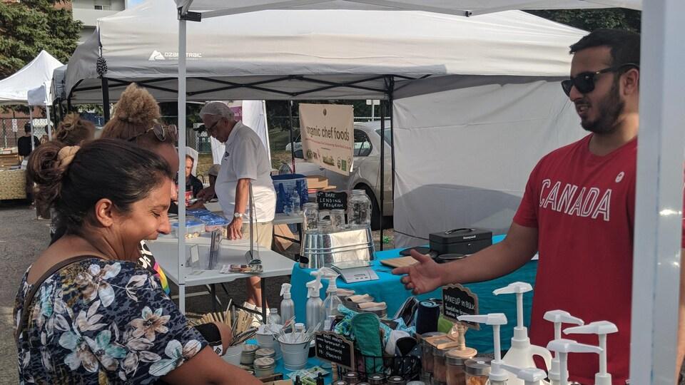 La compagnie Bare Market a commencé à vendre ses produits cet été lors de marchés fermiers.