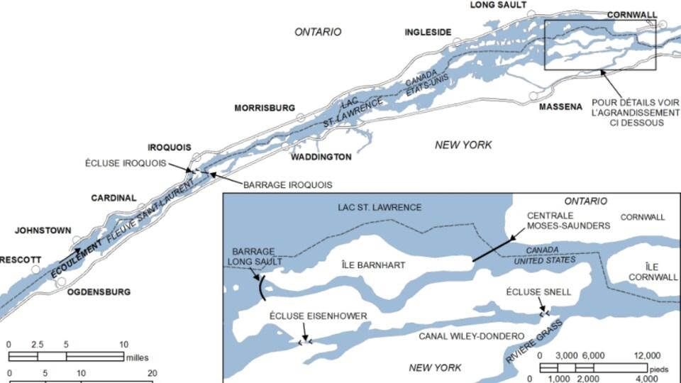 Le barrage de Moses-Saunders Power, à Cornwall, est situé à la frontière entre le Canada et les États-Unis.