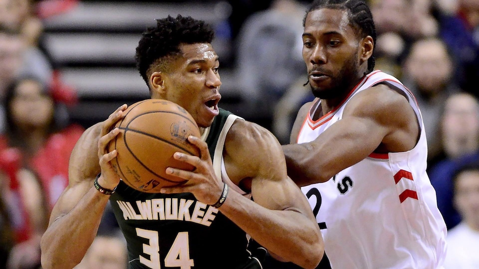 Raptors falter in 4th as Bucks come back to win opener
