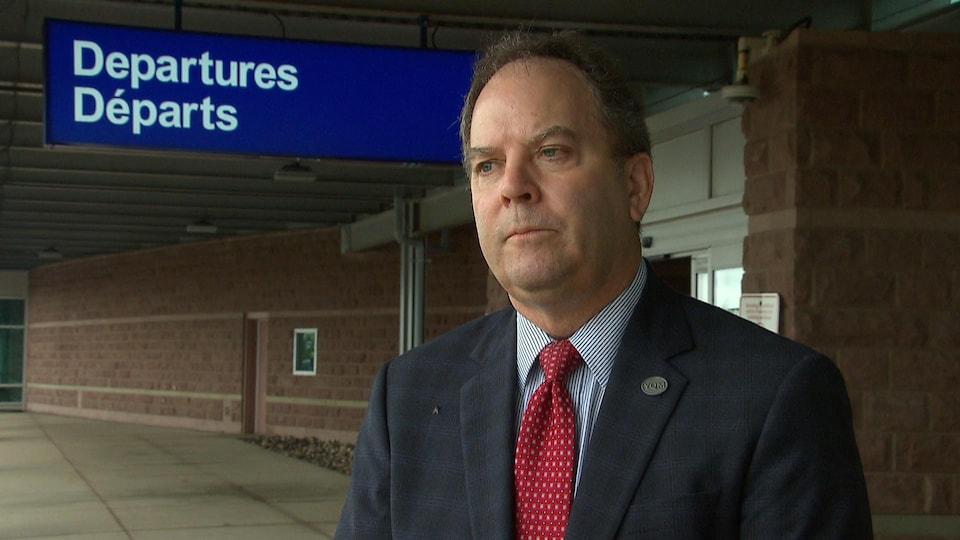 Bernard LeBlanc, président-directeur général de l'Aéroport international Roméo-LeBlanc du Grand Moncton