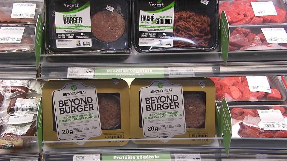 Les protéines végétales Beyond Meat dans les rayons.