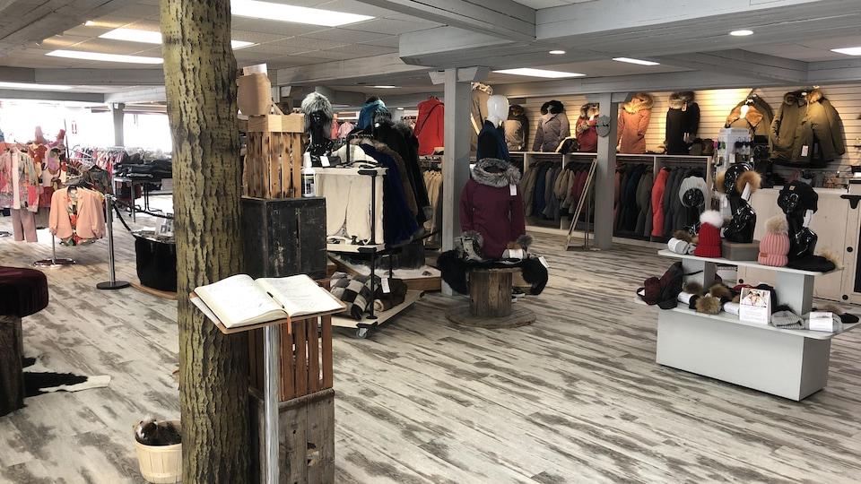 L'intérieur de la boutique Bilodeau à Normandin.