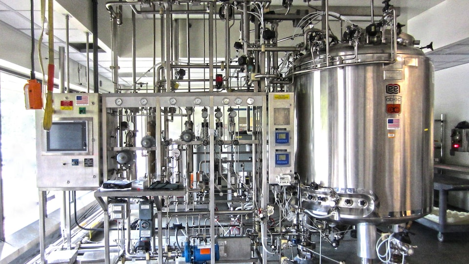 Un bioréacteur de 2500 litres.