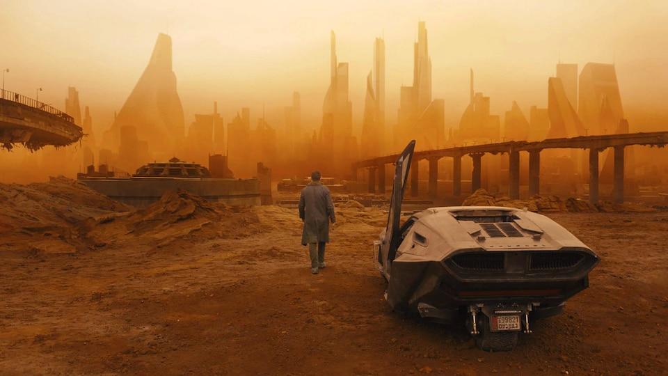 Ryan Gosling dans une scène du film « Blade Runner 2049 »