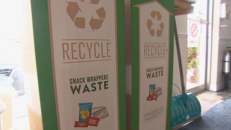 Des boites de recyclage Terracycle.