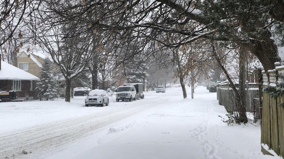 Un quartier enneigé.