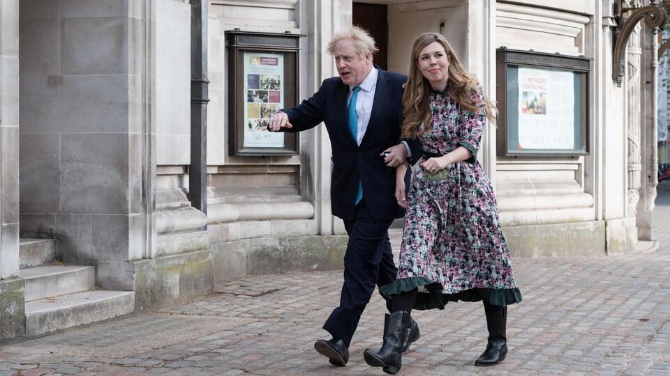 Le premier ministre Boris Johnson et sa fiancée Carrie Symonds.