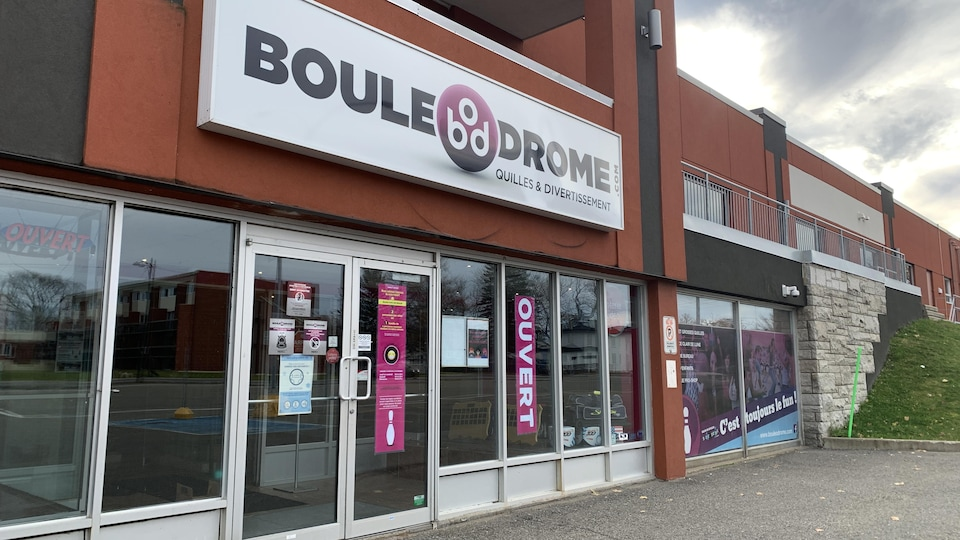 Le Boule-O-Drome Rive-Sud est ouvert quelques heures par jour du jeudi au dimanche.