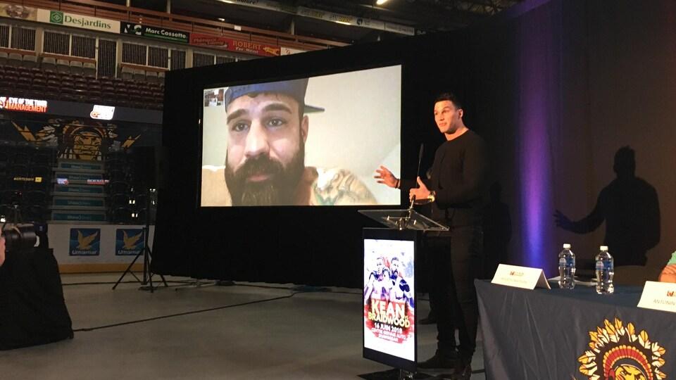 Simon Kean et Adam Braidwood se sont échangés quelques insultes via Skype.