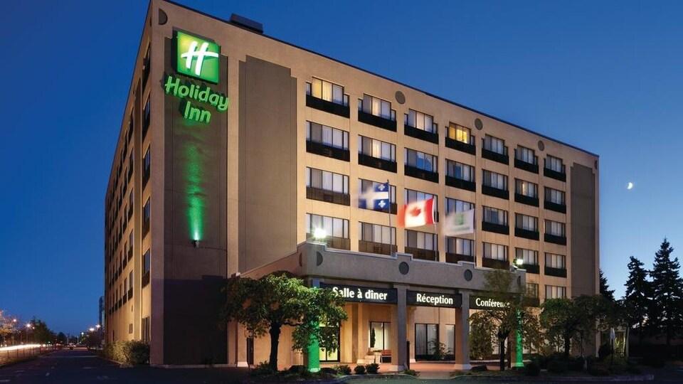 Le Holiday Inn de Longueuil.
