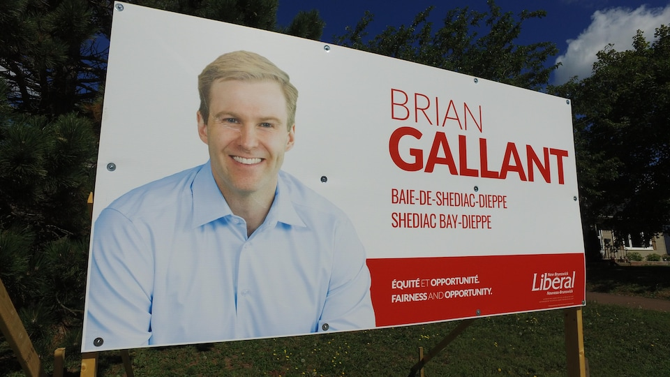 Une photo de l'affiche de Brian Gallant.