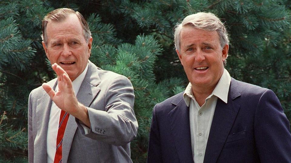 George Bush et Brian Mulroney à l'époque où ils dirigeaient les États-Unis et le Canada.