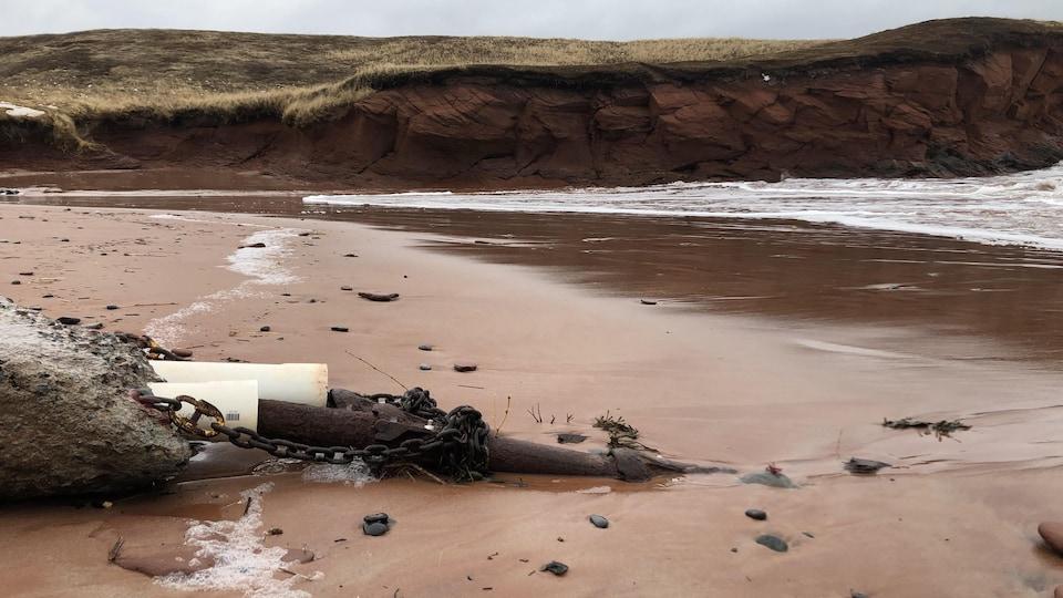 Les câbles sous-marins à l'Étang du Nord aux Îles-de-la-Madeleine.