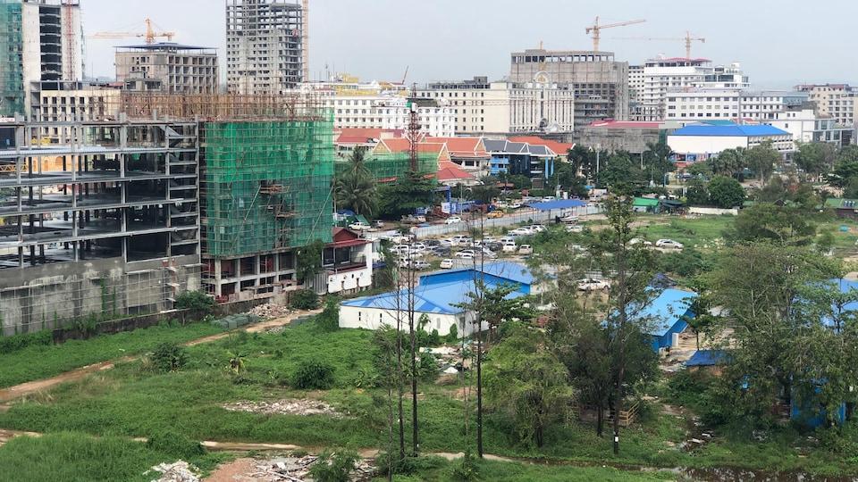 Des chantiers à perte de vue. Sihanoukville, mai 2019