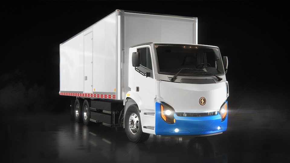 Le camion électrique LION8 a une autonomie de 400 km.