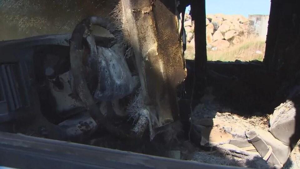 Une camionnette incendiée