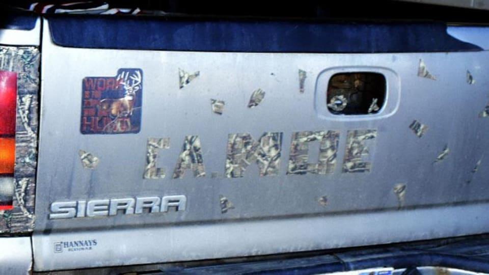 La camionnette impliquée dans le délit de fuite