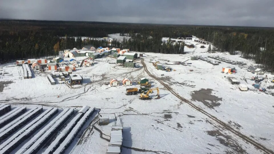 Vue aérienne du Cercle de feu en hiver