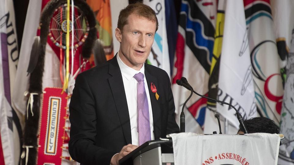 Le ministre des Services aux Autochtones, Marc Miller, prend la parole à la réunion annuelle des chefs de l'Assemblée des Premières Nations à Ottawa, le mardi 3 décembre 2019.